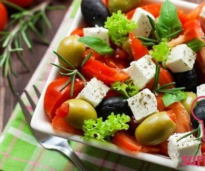 - 1524659377 greek salad with lemon dressing 400x333 - Balqabaq detoksu