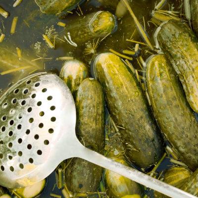 - Dill pickles from cucumbers and dill sprigs 400x400 - Fıstıq yağı